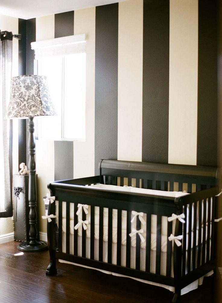 10 id es de chambres en noir et blanc pour b b. Black Bedroom Furniture Sets. Home Design Ideas