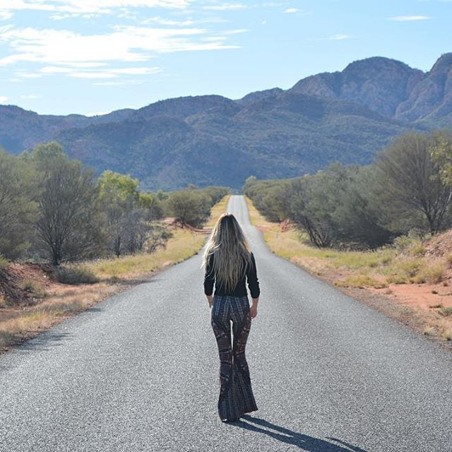 The open road, where I feel most free. Australia is such an amazing and diverse country ☀️ @novellaroyale . . .  #alicesprings#australia#openroad#travelgirls#wearetravelgirls#wanderingwolfchild#outdoorwomen#femmetravel#free#love#freedom#sponsor#sponsorme#novellaroyale