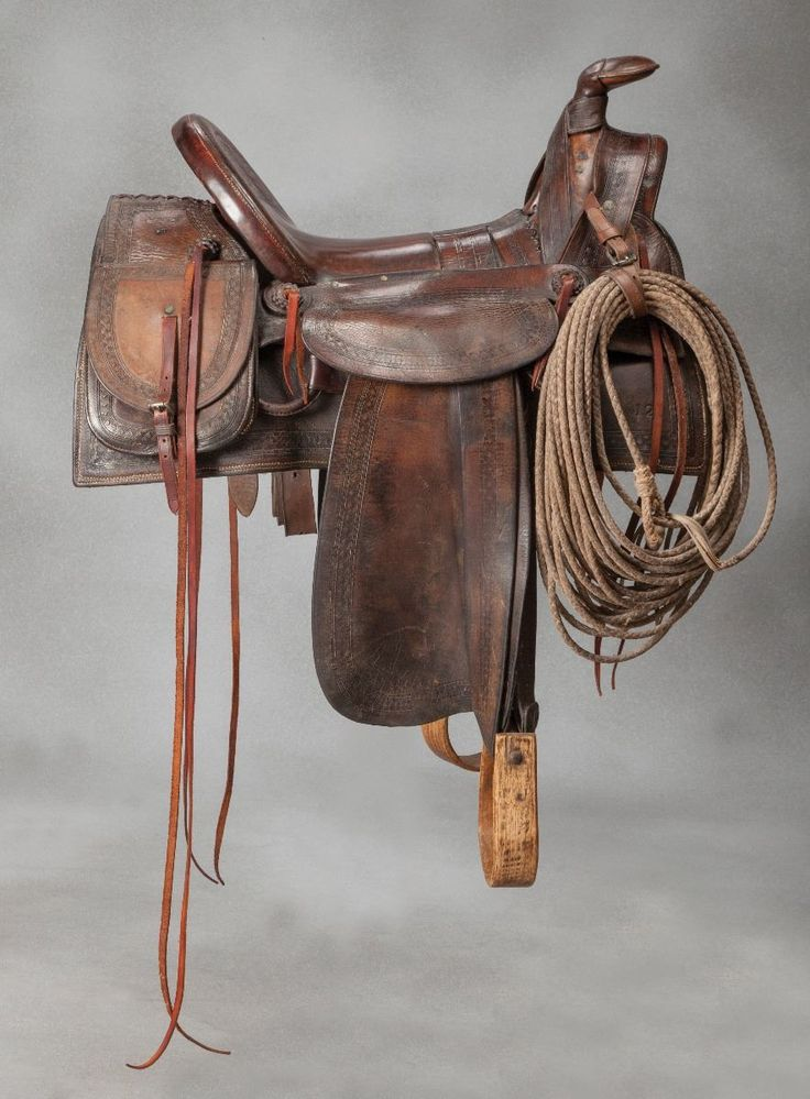 F.A. Meanea #12 Saddle with Saddle Bags - Old West Events