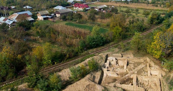 Descoperite acum mai bine de 130 de ani, Castrul şi Băile Romane de la Mălăieşti, judeţul Prahova, catalogate drept monumente de importanţă naţională, vor intra într-un amplu proiect de restaurare şi conservare finanţat cu fonduri europene.