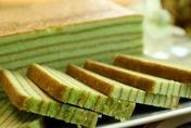 Love this: spekkoek! Indonesian Layer cake: Padan Lapis Legit