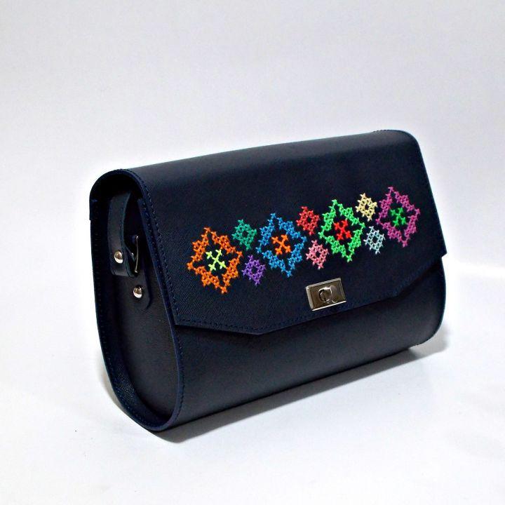 250 LEI | Genti  handmade | Cumpara online cu livrare nationala, din Bucuresti Sector 1. Mai multe Accesorii in magazinul ro.shop pe Breslo.