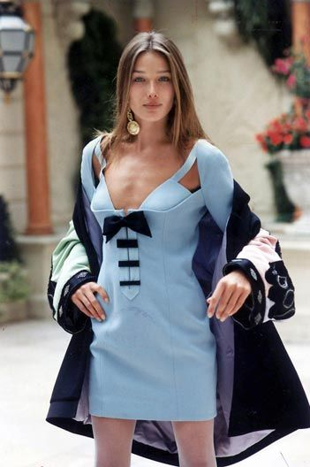 Carla Bruni in Gianni Versace 92'