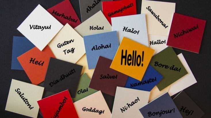 Cuando viajaba al extranjero, solía llevar conmigo un pequeño diccionario de expresiones básicas y frases hechas. Si quería construir una frase,...