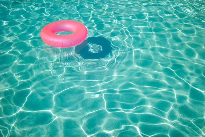 Try out these #diy pool items for the summer!   via Easy Canvas Prints blog