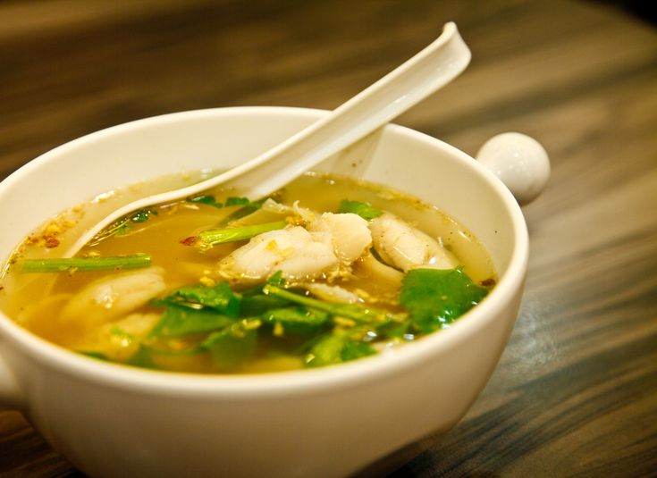 Orientální zeleninová polévka s kuřátkem