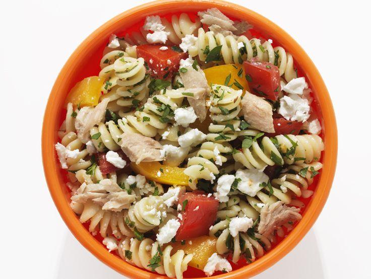 Faites preuve de créativité avec cet essentiel du garde-manger, riche en protéines. Des salades consistantes aux soupers santé, nous vous proposons 10 savoureuses façons d'apprêter le thon en conserve.
