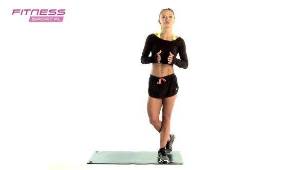 Mamy propozycję dla osób, które pragną zacząć swoją przygodę z fitnessem. Trenerka przygotowała zestaw 5 prostych ćwiczeń, które nadają się do wykonywania w domu. Dla osiągnięcia pełnego efektu Katarzyna Dziurska poleca ćwiczenia 3 razy w tygodniu połączone z treningiem aerobowym.   Sposób Kasi Dziurskiej na piękne ciało:   11 najlepszych ćwiczeń na mięśnie brzucha     8 najczęstszych błędów podczas ćwiczeń na siłowni