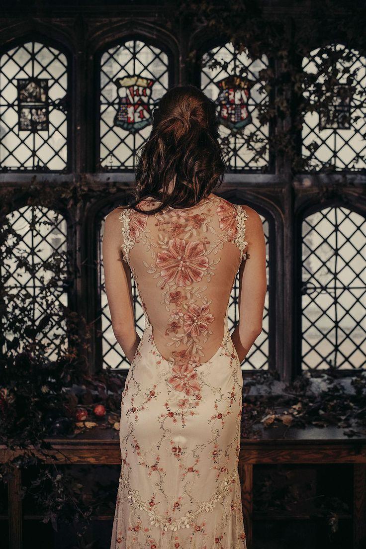 Maple couture wedding dress by Claire Pettibone, Photo: Dan O'Day