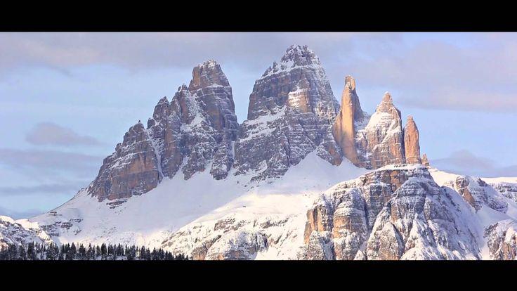 """""""Siamo in tanti ad arrivare qui per sognare e crescere. Per diventare grandi e forti con i nostri maestri di sci"""" del Collegio Regionale Maestri di Sci Veneto #mycortina #cortinadampezzo #dolomiti"""