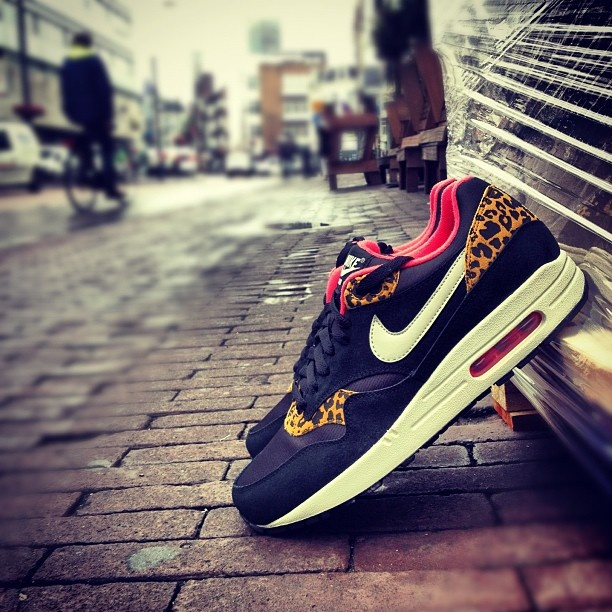 OH MY GOD.  NIKE WMNS AIR MAX 1 'LEOPARD' PACK - AVAILABLE @ LOCK  LOAD - Nike WMNS Air Max 1 'Lepoard Pack'  Now available in-store at Lock  Load  Price: €140,00  Sizes: 36.5 / 44.5 (EU)    Source: Lock  Load