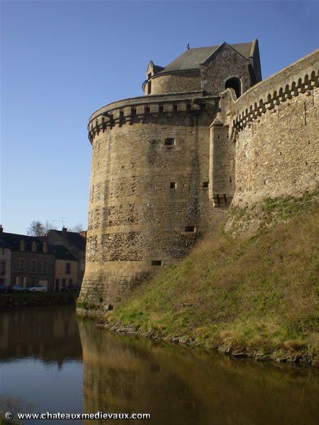 Chateau de Fougères : Tour Surienne