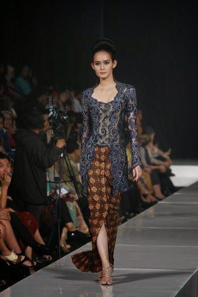 model kebaya  #batik #kebaya #kabaya #fashiondesign #fashion #couture #womandress