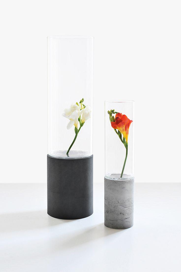 Gravelli concrete vases, set of 2, in grey & anthracite variant.
