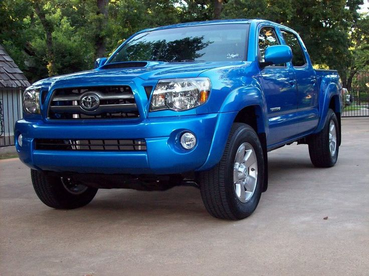 2009 Toyota Tacoma TRD Sport    Love this truck and the color!