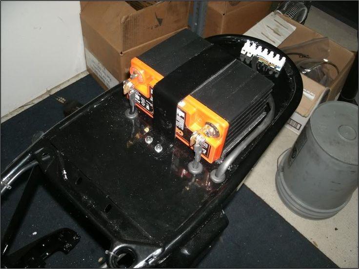 Cafe Racer Battery : Cafe racer electronics Пошук google