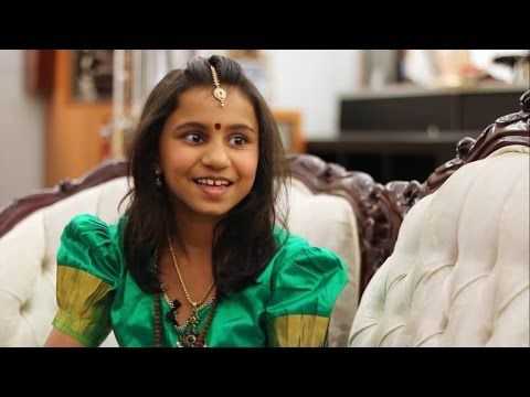 Menina demonstra um superpoder legal (terceiro olho) - YouTube