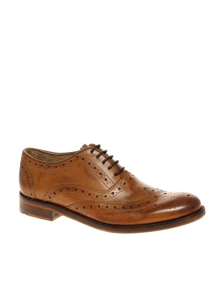 €146, Rotbraune Leder Brogues von Ben Sherman. Online-Shop: Asos. Klicken Sie hier für mehr Informationen: https://lookastic.com/men/shop_items/130367/redirect