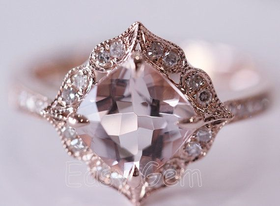 I LOVE this Vintage Morganite and Diamond Ring❣