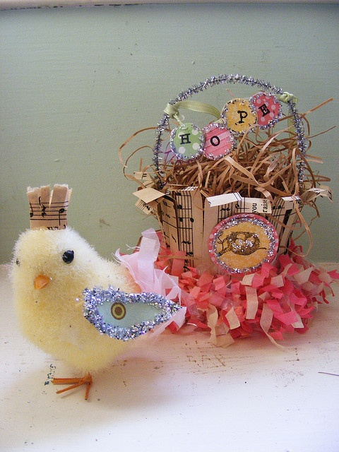 chick and basket: Shabby Vintage Easter, Easter Chick, Holidays Easter Baskets, Easter Crafts, Easter Spr, Photo Shared, Baskets Easter, Easter Time, Easter Ideas