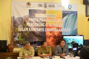 kampanye lingkungan hidup CI Indonesia bersama Pandji Pragiwaksono