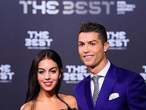Desvelan elsexodel bebé de Cristiano Ronaldo y Georgina Rodríguez Mucho se ha especulado sobre el embarazo de Georgina. La novia de Cristiano Ronaldo ha jugado al despiste con la prensa, hasta que por fin se confirmó la noticia hace unas semanas.