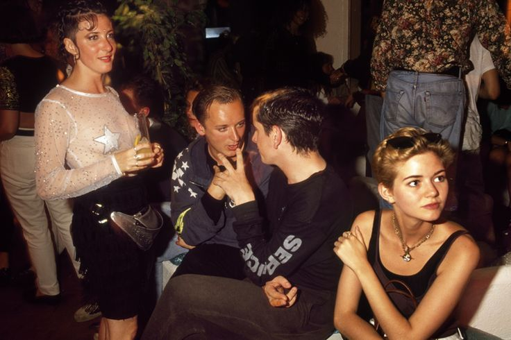 Ku club ibiza june 1989 caron geary mc kinky e z for Acid house djs