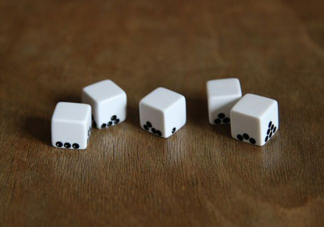 Gravity Dice by Suzy Lelièvre