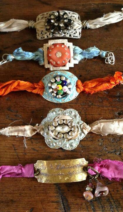 Ribbon jewelry using vintage pieces. #DIY #Vintage #Ribbon silk, belt buckles