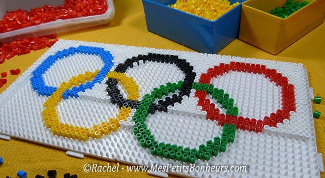Activité sur les jeux olympiques: drapeau olympique en perles Hama