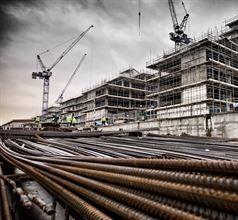 اتخذت الحكومة إجراءات لتحفز الاقتصاد في قطاع البناء ليتم اعتباره تحركاً. وممثلو صناعة  البناء والتشييد ومن أجل ضريبة البناء ينتظرون تنظيم العديد من القضايا ومنها العمل بقانون المعاملة بالمثل والذي من شأنه أن يعطي الجنسية التركية لممتلكي المساكن من المواطنين الأجانب. http://goo.gl/NTMZLq