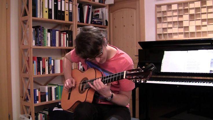 Autumn Leaves/Les Feuilles Mortes Music: Joseph Kosma Text: Jacques Prévert (frz.) - Johnny Mercer (engl.) Arrangement for solo guitar: Tobias Flock Guitar: ...