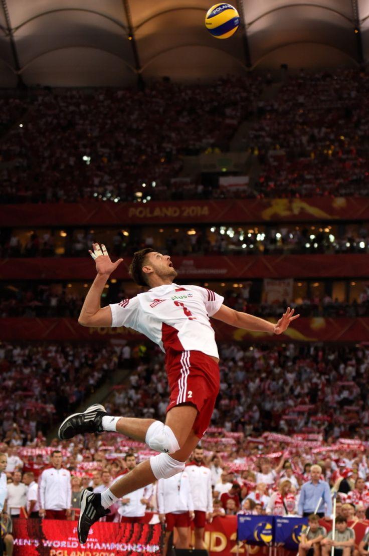 Na Narodowym padł rekord MŚ. 13 tys. więcej kibiców niż w Moskwie. http://sport.tvn24.pl/siatkowka,119/na-narodowym-padl-rekord-ms-13-tys-wiecej-kibicow-niz-w-moskwie,463525.html?magazineSubcategory=0