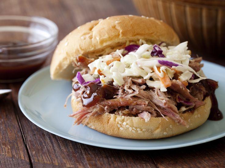 Pulled pork shoulder sandwich recipe