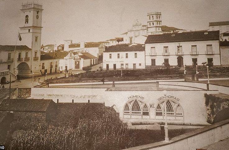1920s?,  Ribeira Grande, Ilha de São Miguel  Vista da área central da Ribeira Grande, com o largo Hintze Ribeiro antes do crescimento das suas árvore