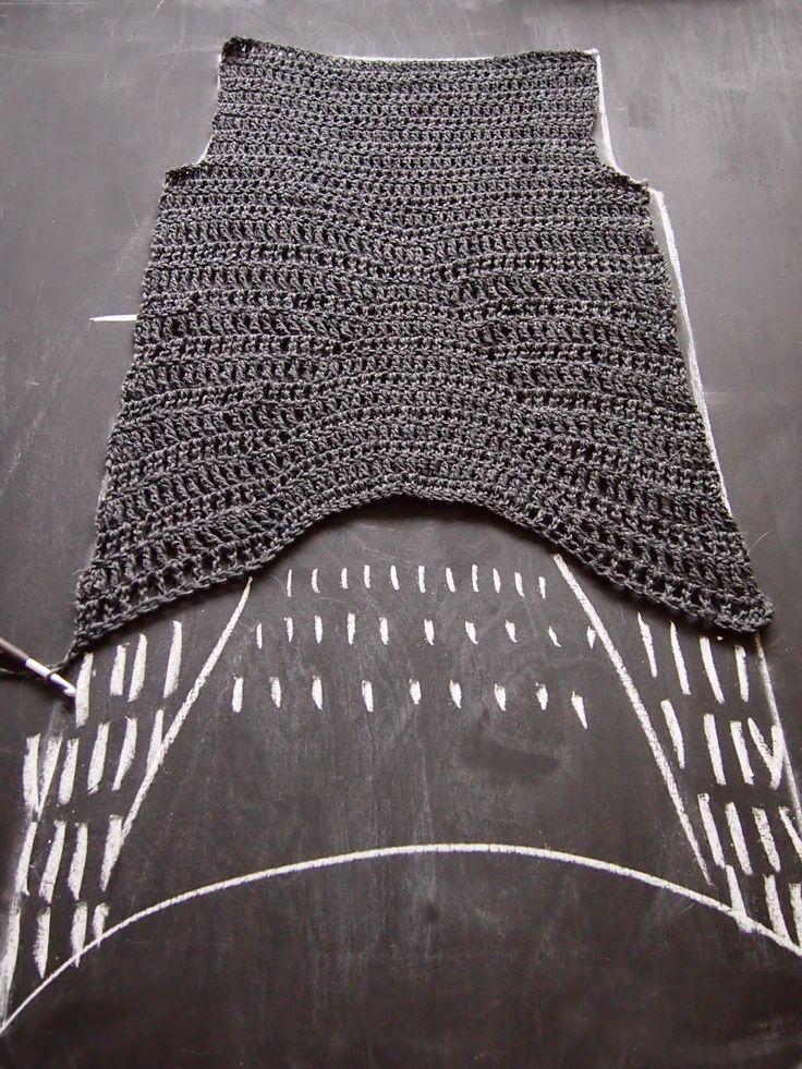 VMSomⒶ KOPPA: Asymmetrinen helma - virkattu paitamekko