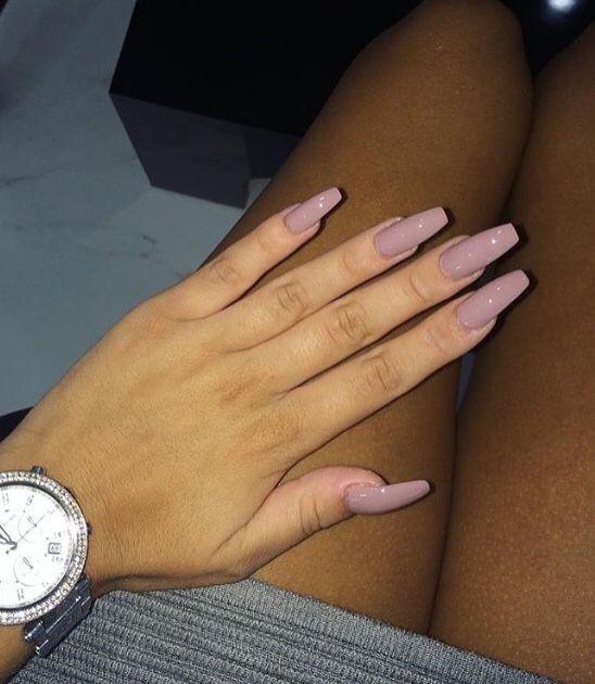 Beautiful Shape, Beautifull Colours! Look a like --> Phuket Plum Gelpolish Florence Nails. http://en.voltzro.info