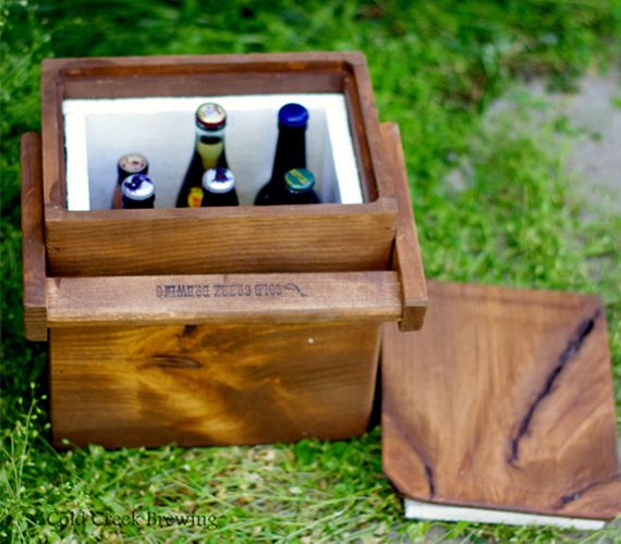 Igloo - Beer - Cooler - Insulated Carton - Wooden Cooler -
