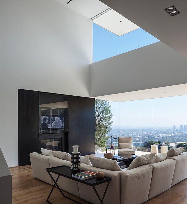 🏠 Sunset Plaza Drive 📐 GWdesign 📍 Los Angeles, United States 🇺🇸 📸 Dana Meilijson 🏗️ 🔲 5600 ft2 ⠀ ⠀ …….......................................................