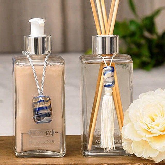 Sabonete líquido e difusor no suave aroma Rosas di Amalfi, elegante fragrância feminina que mescla notas de rosa búlgara, mandarina e pimenta rosa