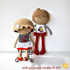 Flickr: Secuencia de fotos de Cook You Some Noodles: De Photo, Clothing Dolls, Photo De, Teeny Tiny Dolls, Felt Dolls, De Cooking, Teenytini Dolls, Dolls Nautical, Dolls Patterns