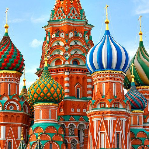 26 Real Places That Look Like They've Been Taken Out Of Fairy Tales - St Basil's Cathedral, Russia