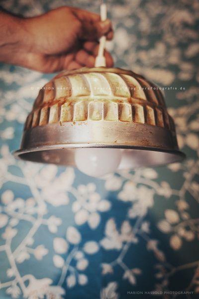 Küche: Upcycling metal cake mould into DIY light shade (Alternative zur Lampe aus Sieb)
