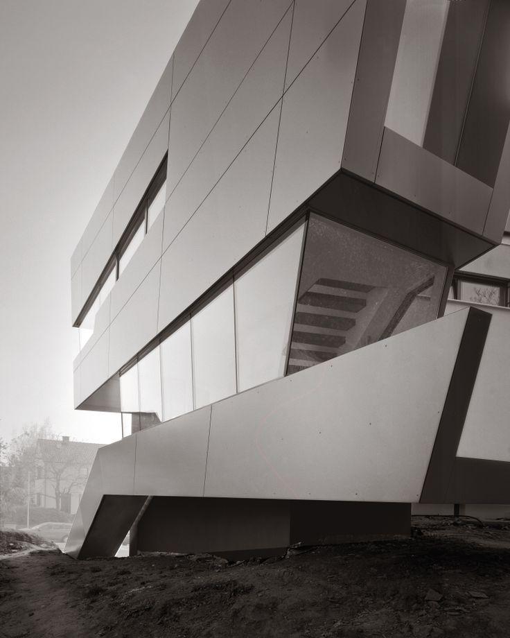 Wohnhaus Fichtestraße, Heilbronn, Germany by Biehler Weith Associated, Architects, Konstanz, Germany ALUCOBOND®, Silver Metallic 500