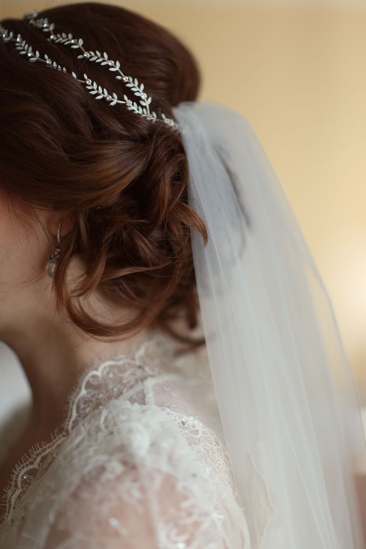 Best 25+ Veil Hair Down Ideas On Pinterest | Bridal Hairstyles Down Wedding Hairstyles With ...