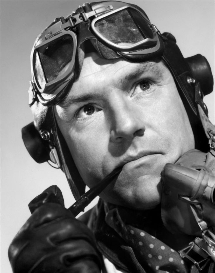 Kenneth More served as a lieutenant in the Royal Navy, seeing active service aboard the cruiser HMS Aurora and the aircraft carrier HMS Victorious. He is best remembered for playing RAF ace Douglas Bader, in the film Reach for the Sky.