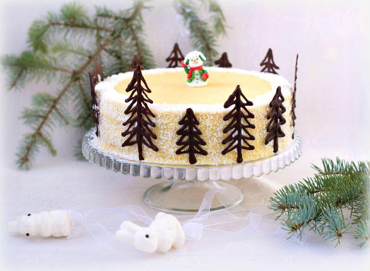 """Торт """"Наполеон"""" пользуется особой популярностью в нашей стране и не только. И, бесспорно, у каждой хозяйки есть свой проверенный рецепт. По этому рецепту торт готовится очень просто и получается очень нежным, просто тает во рту. Он станет любимым в вашей семье!Вам понадобится:"""
