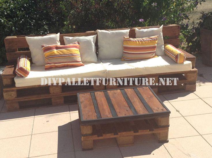 Außen-Sofa und Tisch mit Paletten