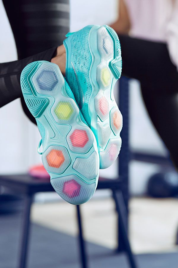 From strength training to cross training, the Nike Zoom Fit Agility shoe combines the feel of natural motion with ultimate comfort. Nike Zoom pods help cushion your foot where you need it most. #NikeZoom