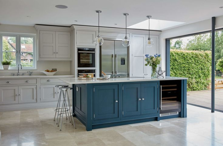 Dark Grey Shaker Style Kitchen In 2020 Blue Shaker Kitchen Diy Kitchen Decor Shaker Style